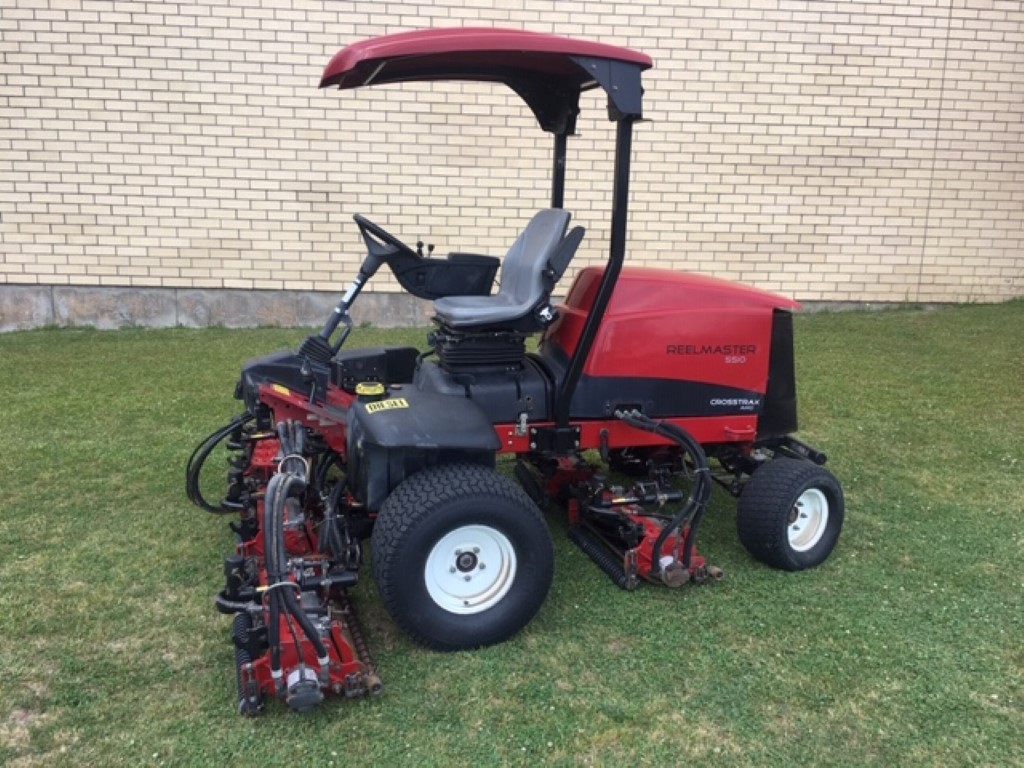 TORO RM5510-D 4WD WITH 8 BLADE REELS